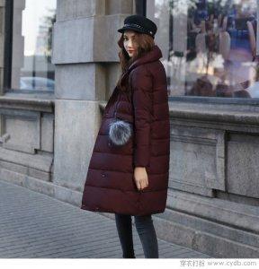 又到了羽绒服霸屏的季节啦 来件可以美上天的外套吧!