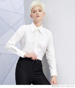 白色服饰不只可以打底 单穿也很有型!