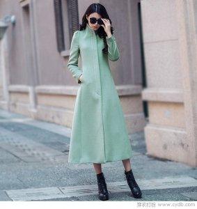 潮妞们 你觉得长裙式的毛呢外套够不够优雅?