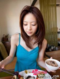 女性如何饮食美容 多吃红枣和芝麻