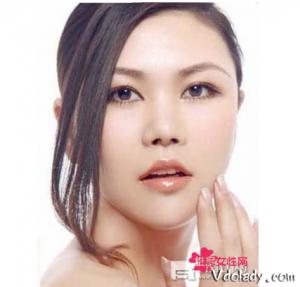 眼睛护肤的几大误区 如何正确的使用眼霜