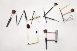 化妆刷的毛质有何不同?如何保养化妆刷?