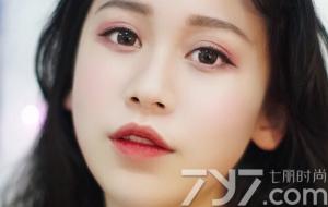 松果棕色+树莓红 眼妆画好整张脸都俊俏了!