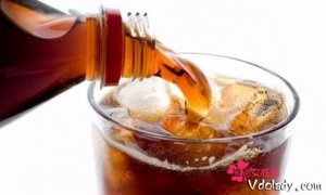 女性经期可以喝碳酸饮料吗   对身体有哪些危害