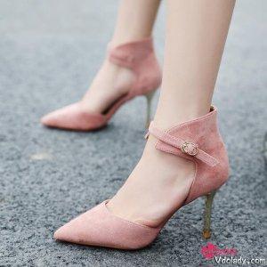 女人鞋柜里,永远缺着这一双尖头高跟鞋