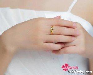 35―58岁女人最适合带黄金首饰,优雅大方又迷人