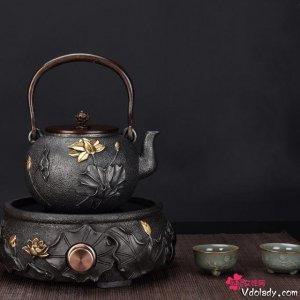 巧夺天工的铁茶壶,极具艺术和美学价值,沏出清香好茶品
