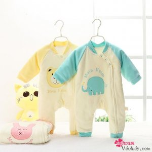 就算外出玩耍,宝宝也要穿得舒适得体,好看的不只宝宝家长更有面