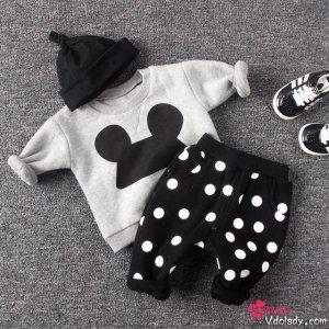 宝宝皮肤稚嫩需要更好的呵护,纯棉套装给宝宝舒适的穿衣体验