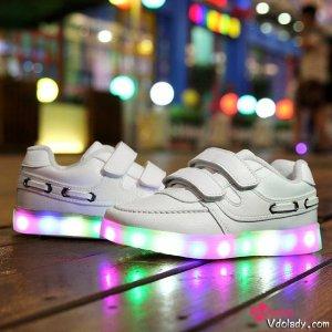 儿童发光鞋,点亮宝宝的梦幻童年