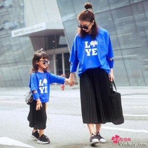 有一种幸福叫我有个女儿,一起穿母女装出街恰似姐妹花
