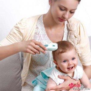 理发店的理发器不卫生,聪明的妈妈自己买理发器给宝宝理发