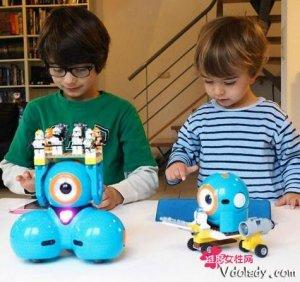 玩具智能机器人,一个能陪孩子一起玩耍的好朋友