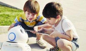 儿童智能机器人,陪伴孩子成长又能辅助孩子学习