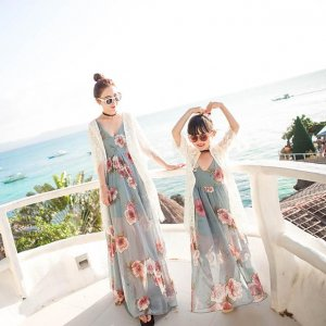 春暖花开去度假,当然少不了美美的母女装,秒变靓丽姐妹花