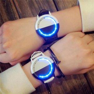 有了情侣装,又怎能少了情侣手表呢?