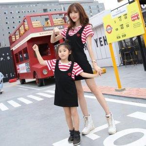 辣妈和女儿一起穿高颜值亲子装,出街就是风景线
