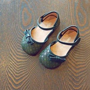 阳光灿烂的春天,给女儿的公主鞋加点小心机