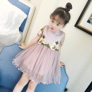 萌萌小萝莉的公主裙,梦幻甜美,让宝贝像蝴蝶一样翩翩起舞