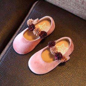 春天给女儿穿上这些公主鞋,让女孩更加萌萌可爱,公主范儿十足