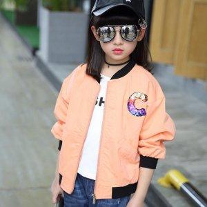 时尚的春季外套,让宝宝成为人群中的焦点