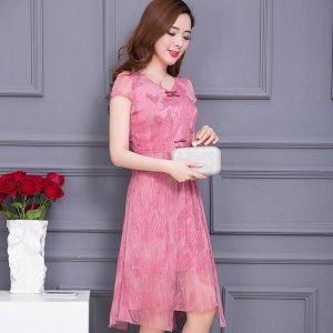 雪纺连衣裙,简单时尚,能够显出一种独特的气质感