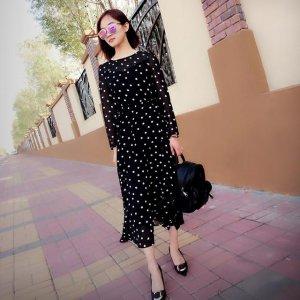 减龄秘籍:复古文艺波点连衣裙,尽显女性的柔美清纯