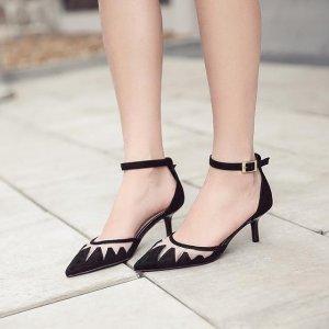 女生不要傻傻穿休闲鞋,今年流行这样的高跟鞋,时髦又舒适