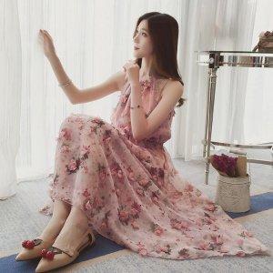 高贵脱俗的印花,性感妩媚的连衣裙, 让你无限优雅