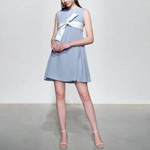 今年夏季,穿上简约清新连衣裙,将成为街头靓丽风景线~