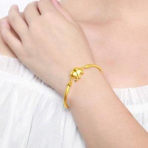 谁说黄金手链俗气了?今年流行这样的新款式,养眼更显气质