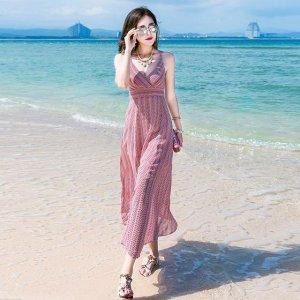 波西米亚长裙  让你一秒成海边一道亮丽的风景线