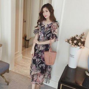 印花连衣裙今年很多,但是花型如此清新脱俗的着实难见