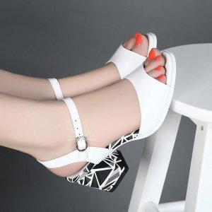 久穿不累脚,意尔康鱼嘴鞋+水钻鞋,姐姐看上最后一款,你呢?