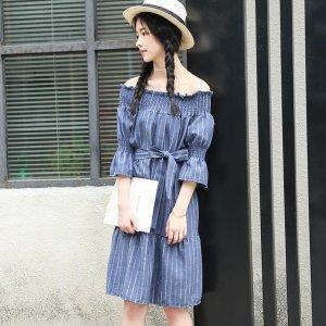 棉麻连衣裙,给人一种复古文艺的感觉