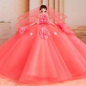 每个女孩心中都有一个婚纱梦,让梦幻芭比娃娃圆了自己甜蜜的美梦