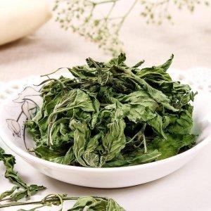 """不值钱的叶子,对付""""烟肺""""有奇效,每天用它泡水喝,保护肺健康"""