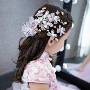 不要老是给女儿剪短发,用公主发饰把头发打理起来,美成小仙女