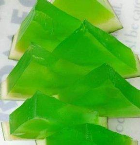 还有这种操作?绿色的西瓜果冻制作流程大揭秘!