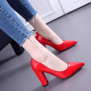"""七夕到了,男人记得要给心爱的姑娘买双""""红鞋"""",因为含义很美好"""