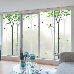 窗帘终究会被取代,时下流行透光不透明的窗贴,款款浪漫又温馨