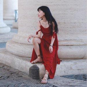 聪明的男人情人节都会送爱人一条红裙,象征最真挚炽热的爱