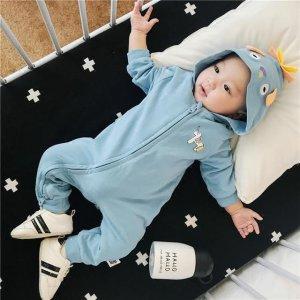 秋冬季节,呆萌有型的连体衣更能彰显宝宝的萌娃魅力