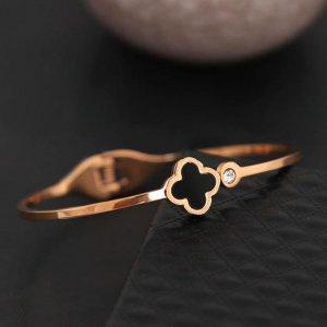 黄金手镯现在很少有人戴!聪明女人都买了这种,时尚精致还便宜