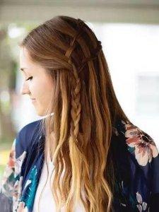 女人过了30别再披散着头发,教你这样扎发,不管走哪都是最美的