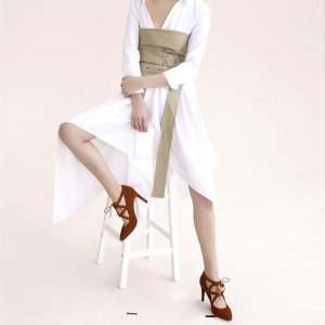 女性优雅气质的诠释,怎么少得了尖头细高跟鞋呢