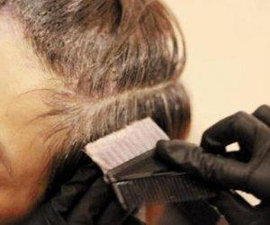 中秋节来了,回家为父母染一次头发,让父母恢复年轻有气质