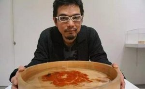 这个执着的日本人画了12年的金鱼,硬是把金鱼画活了