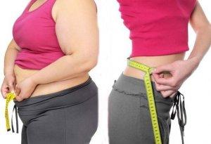 小肚腩、腰粗是中年女人的通病?教你一笨方法,收腰收腹显年轻
