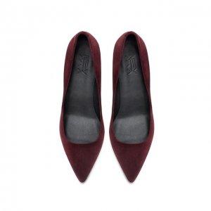 圆头鞋适合学生妹,30岁女人应穿尖头高跟鞋,女人味儿藏不住